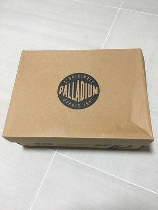 palladium 全新男裝US9 淺灰
