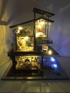 DIY模型別墅 (成品) 巴倫西亞海岸 有音樂及防塵罩