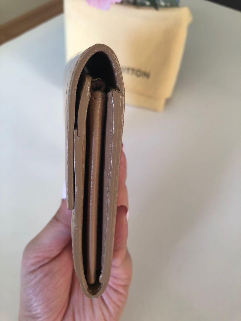 Authentic Louis Vuitton Sarah Vernis Wallet