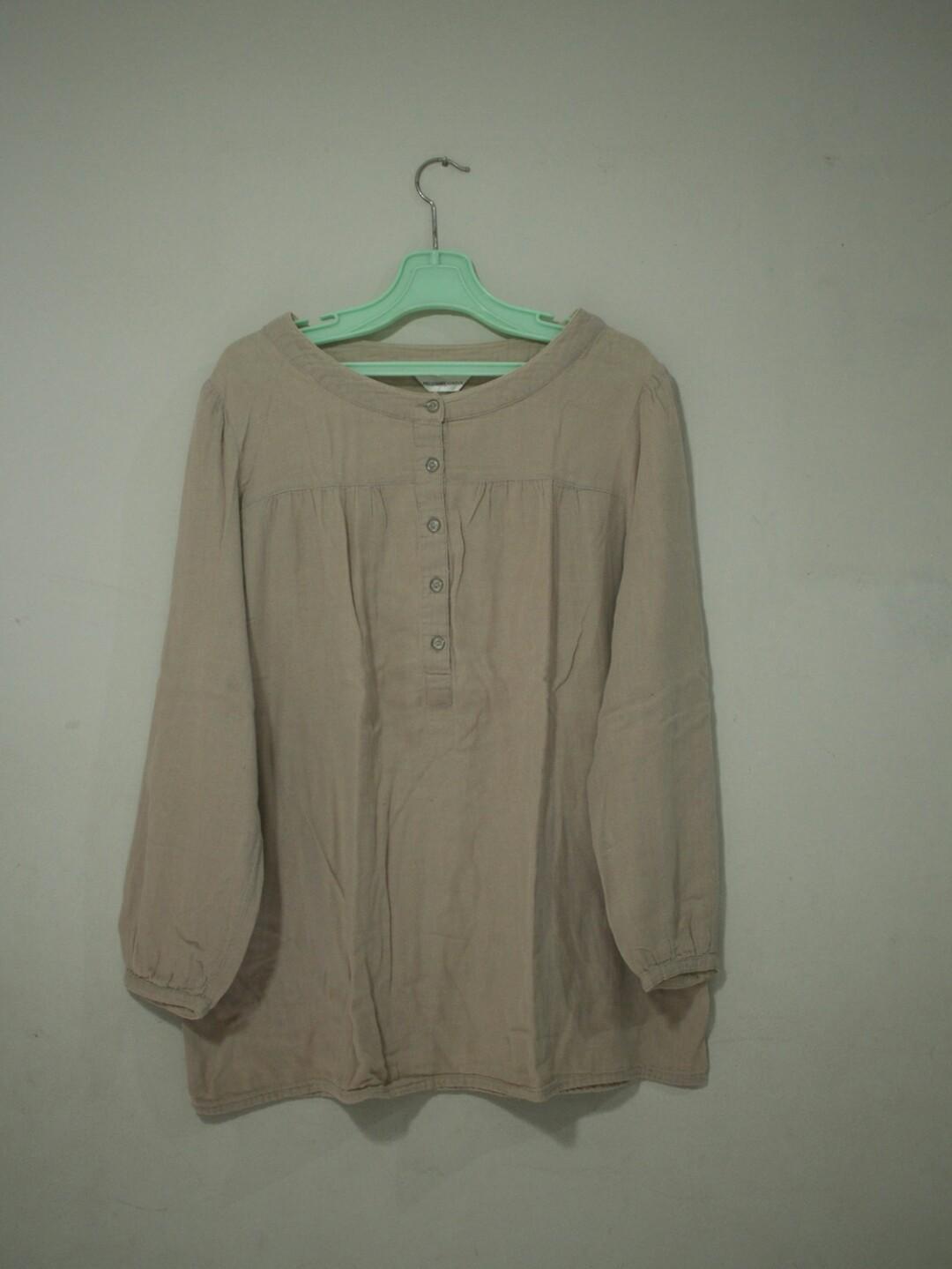 Baju Atasan Cream