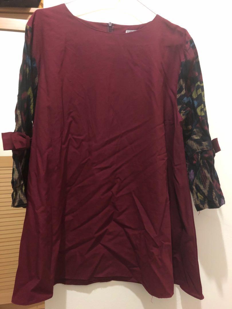 Batik blouse maroon