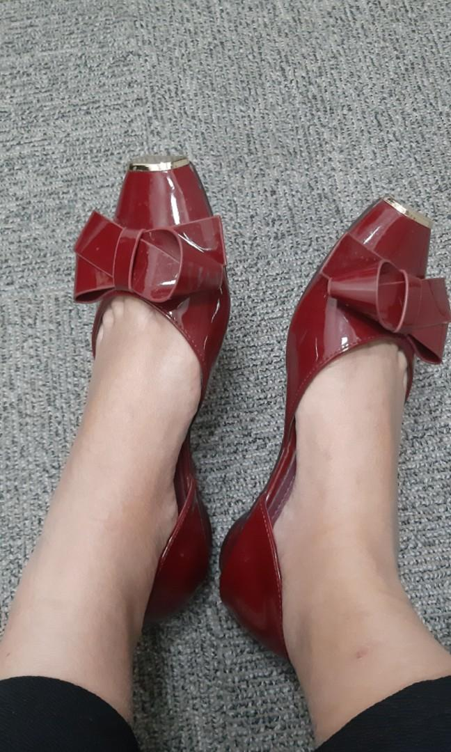 Berrybenka red shoes
