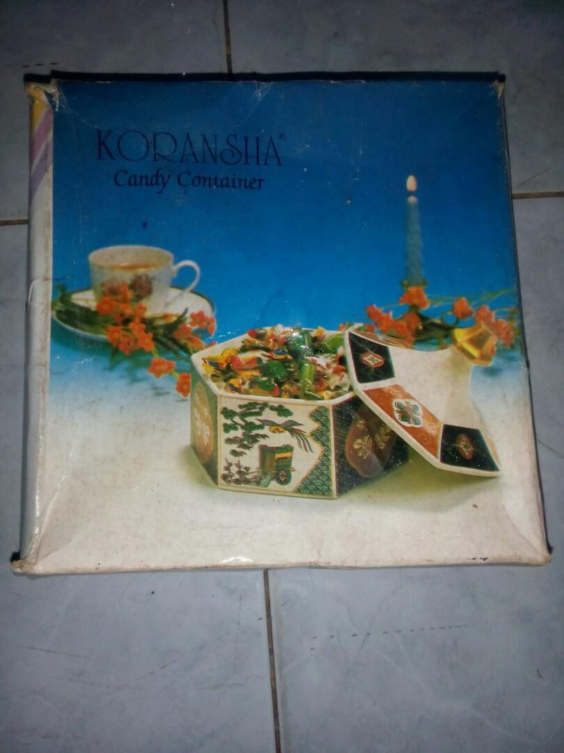 Candy cotainer porcelain japan