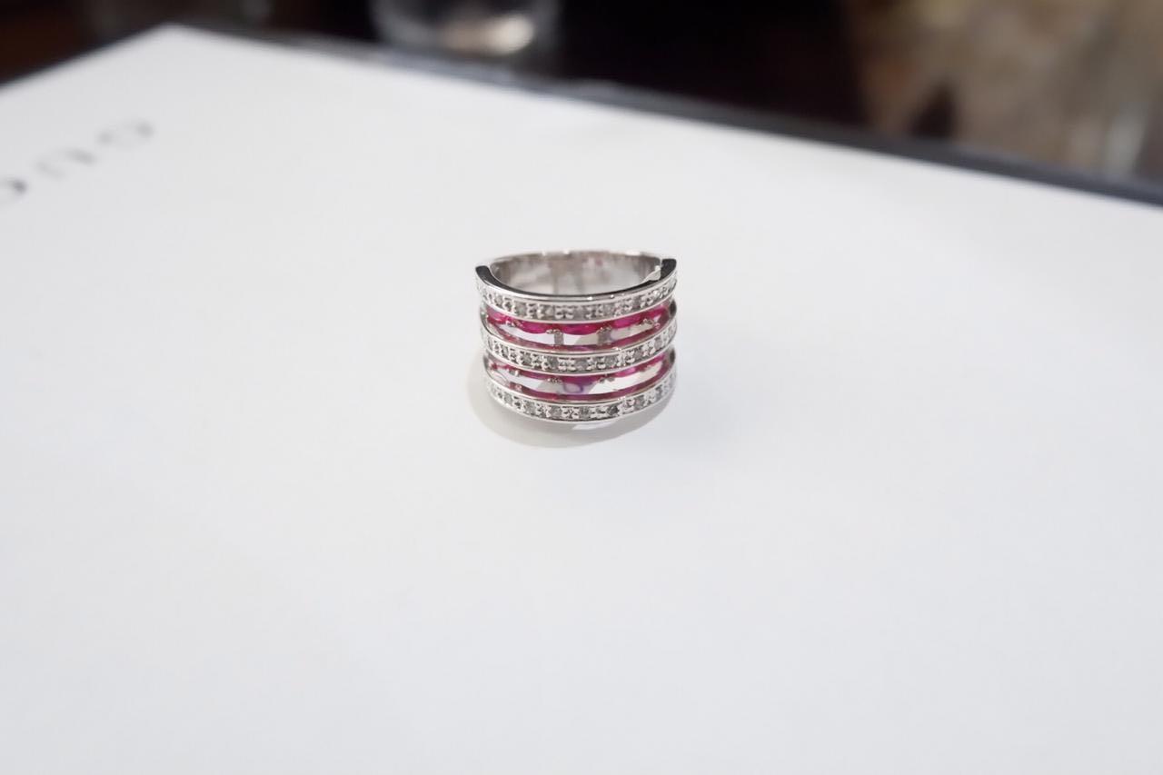 Cincin batu berlian pink