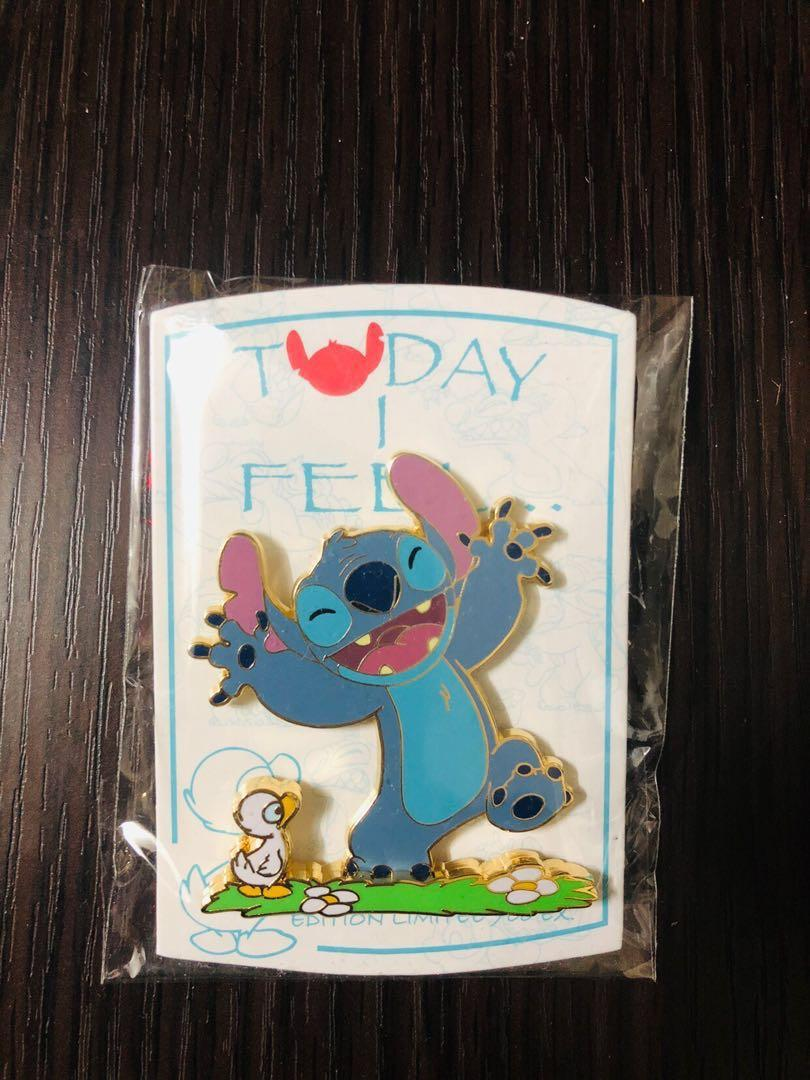 "Disneyland Resort Paris pin 法國巴黎迪士尼徽章襟章 Stitch and Duck ""Today i feel"" LE700 Disney pins"