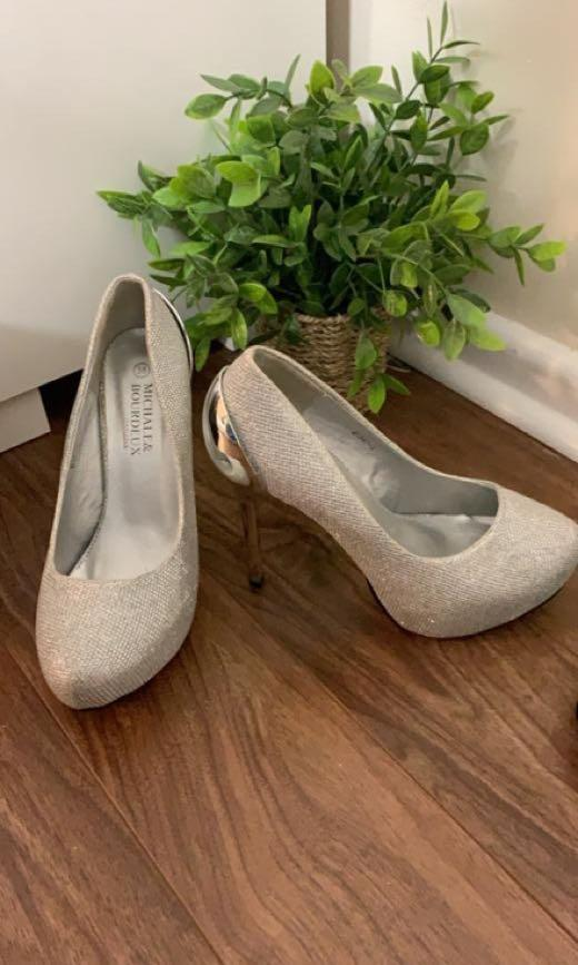 Great condition prom/evening shoes in silver and navy blue