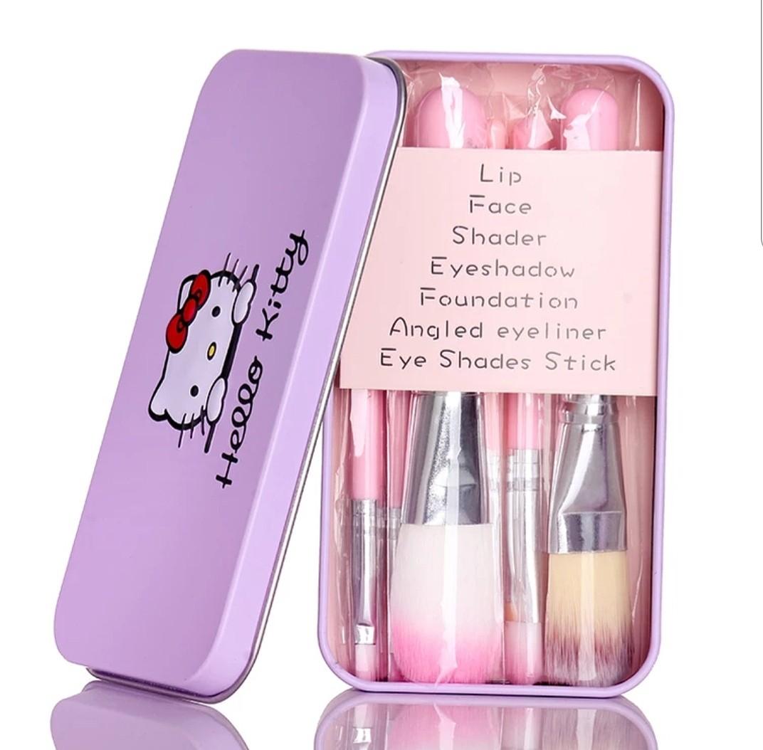 f25ee3dd9 Hello Kitty Brush Set, Health & Beauty, Makeup on Carousell