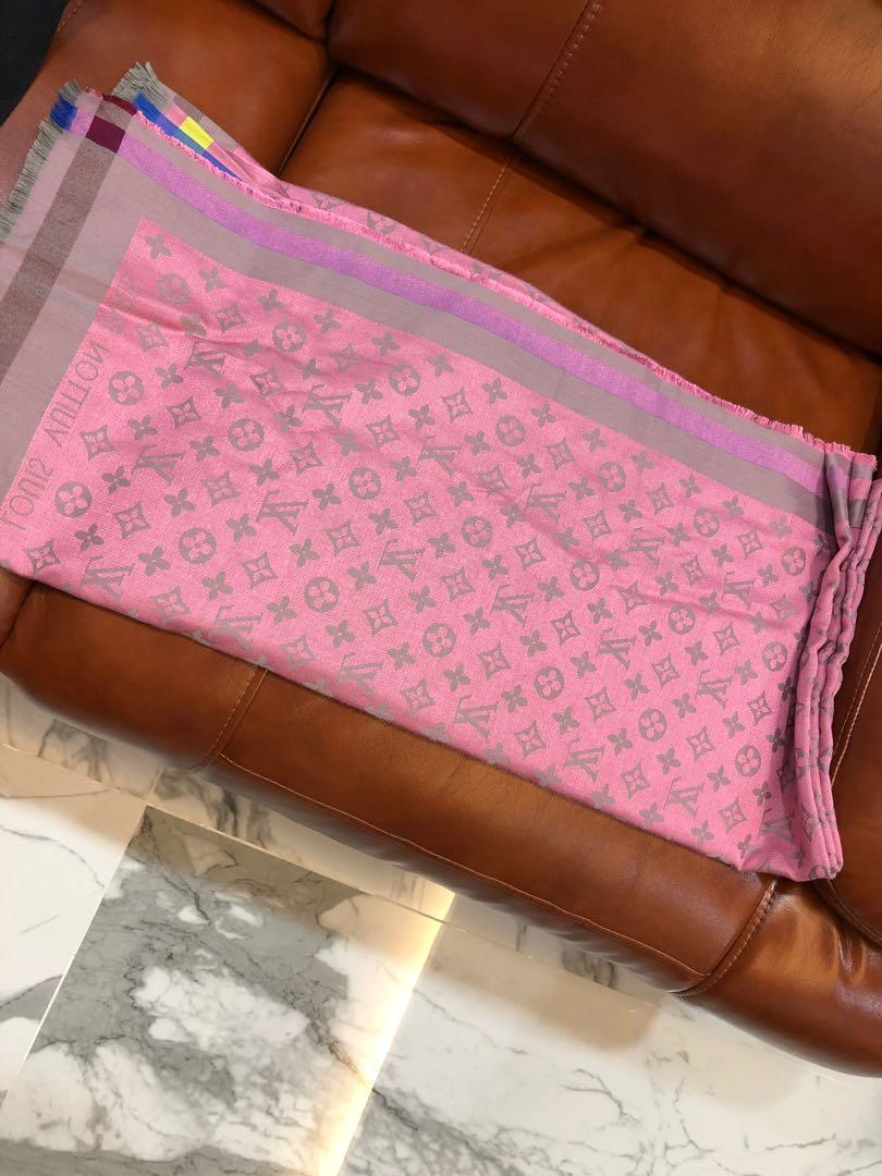 LV scarf (as good as new)