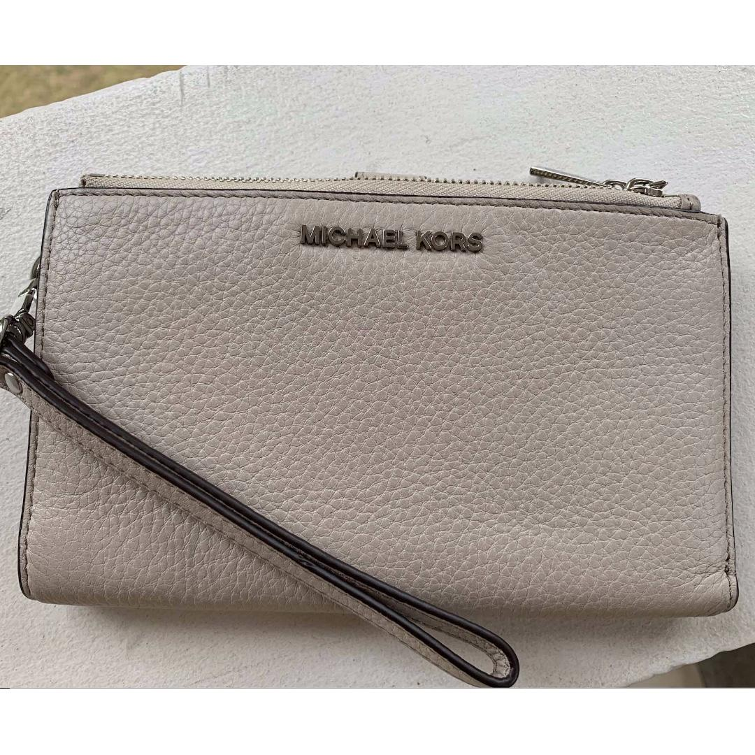 63698497a657 Michael Kors Adele Double Zip Wristlet-Pearl Grey on Carousell