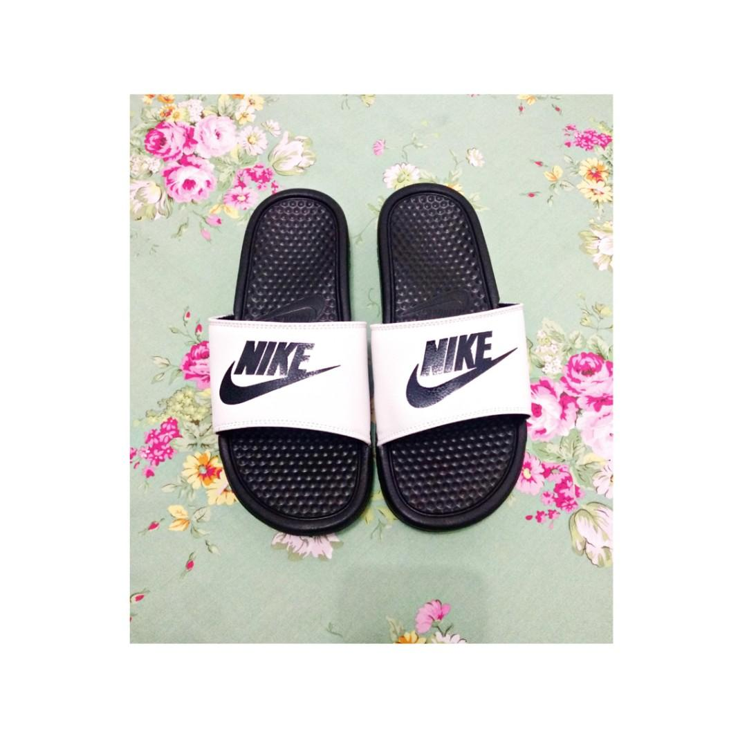 NIKE BENASSI SLIDE SWOOSH BLACK WHITE ORIGINAL
