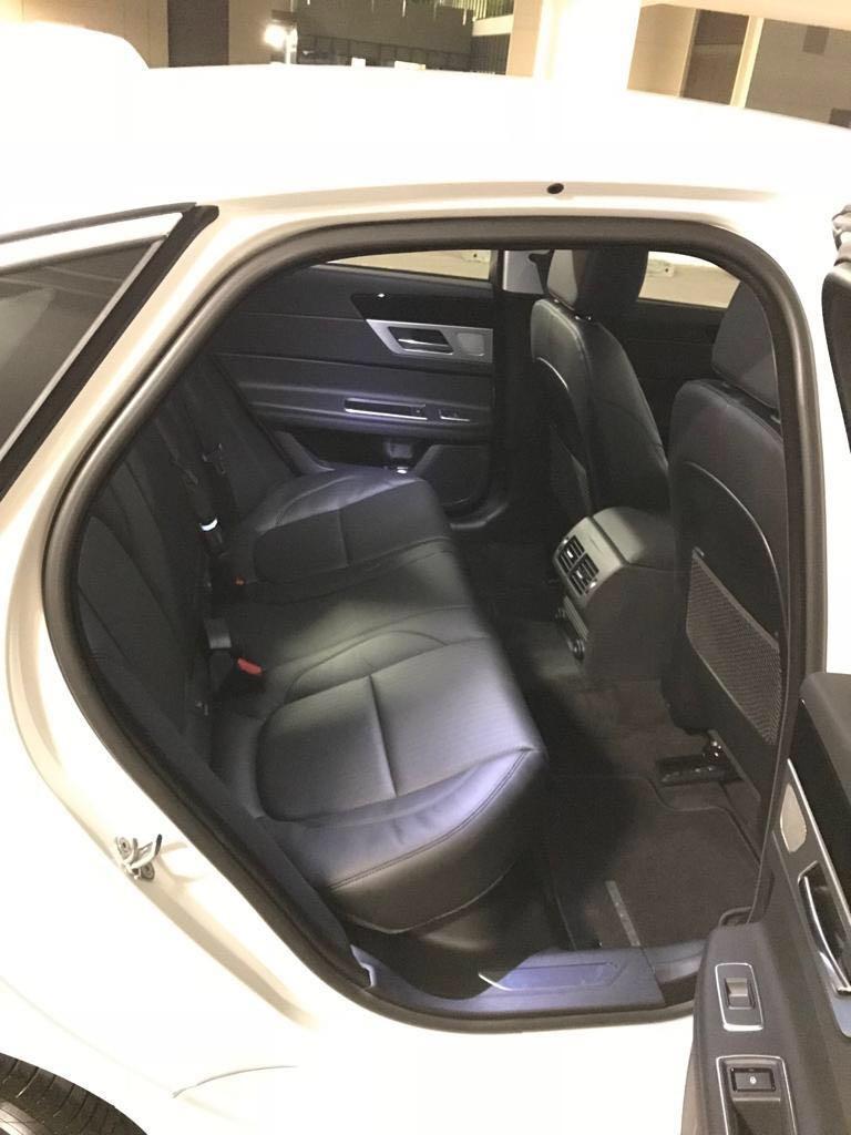 Prestigious Jaguar XF 20T Wedding Car Rental