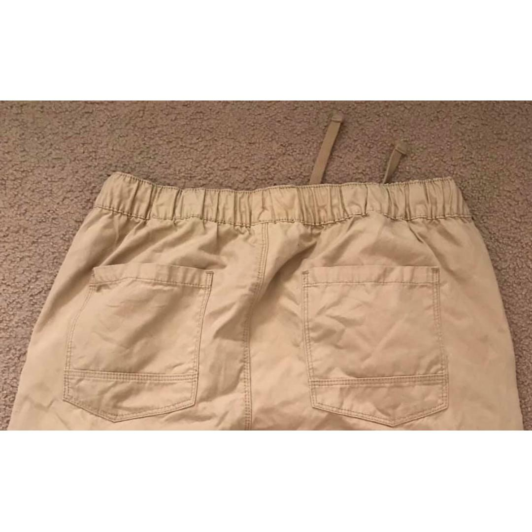 Size L Mens tan cotton chino pants Brand new without tags