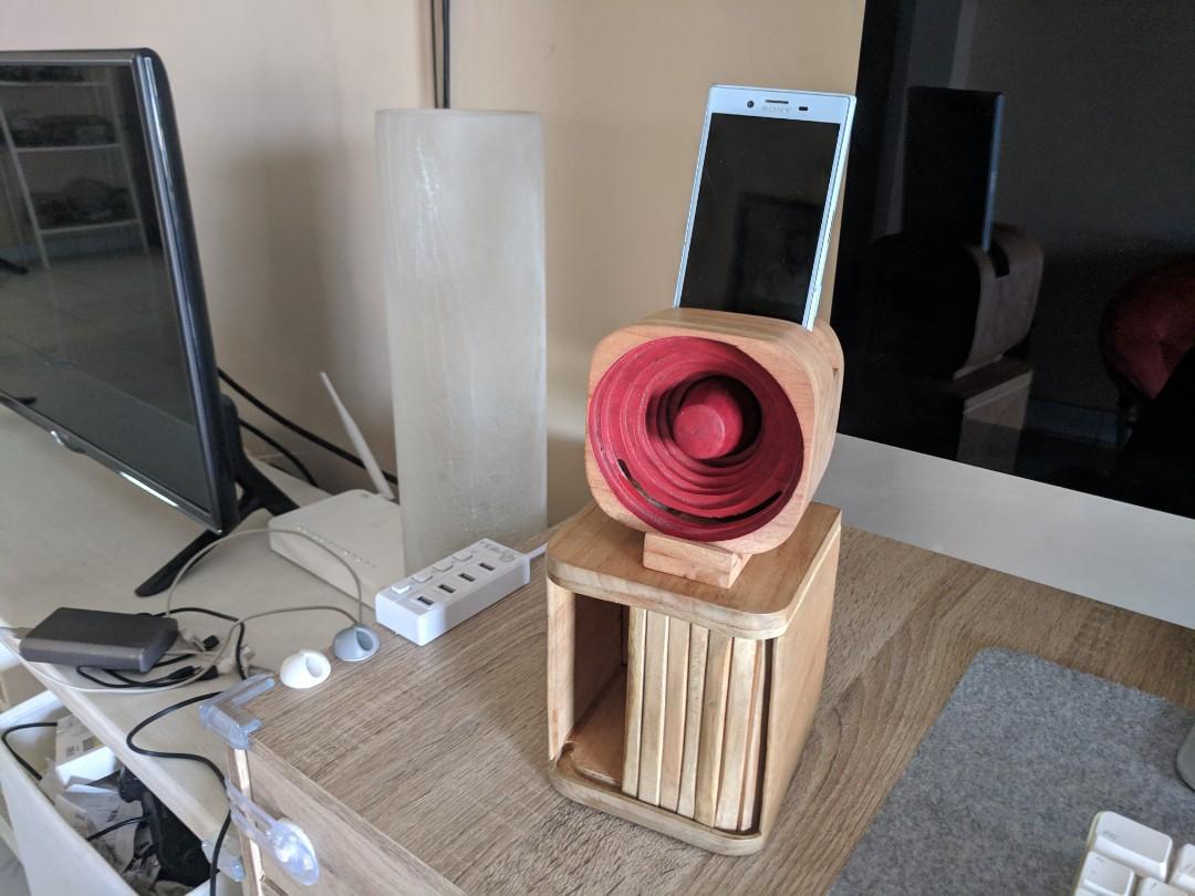 Speaker Ruaya dari kayu unik handmade