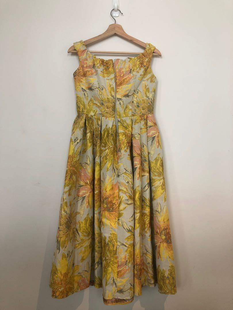 Stunning Yellow Floral 50s style off shoulder dress Size 10