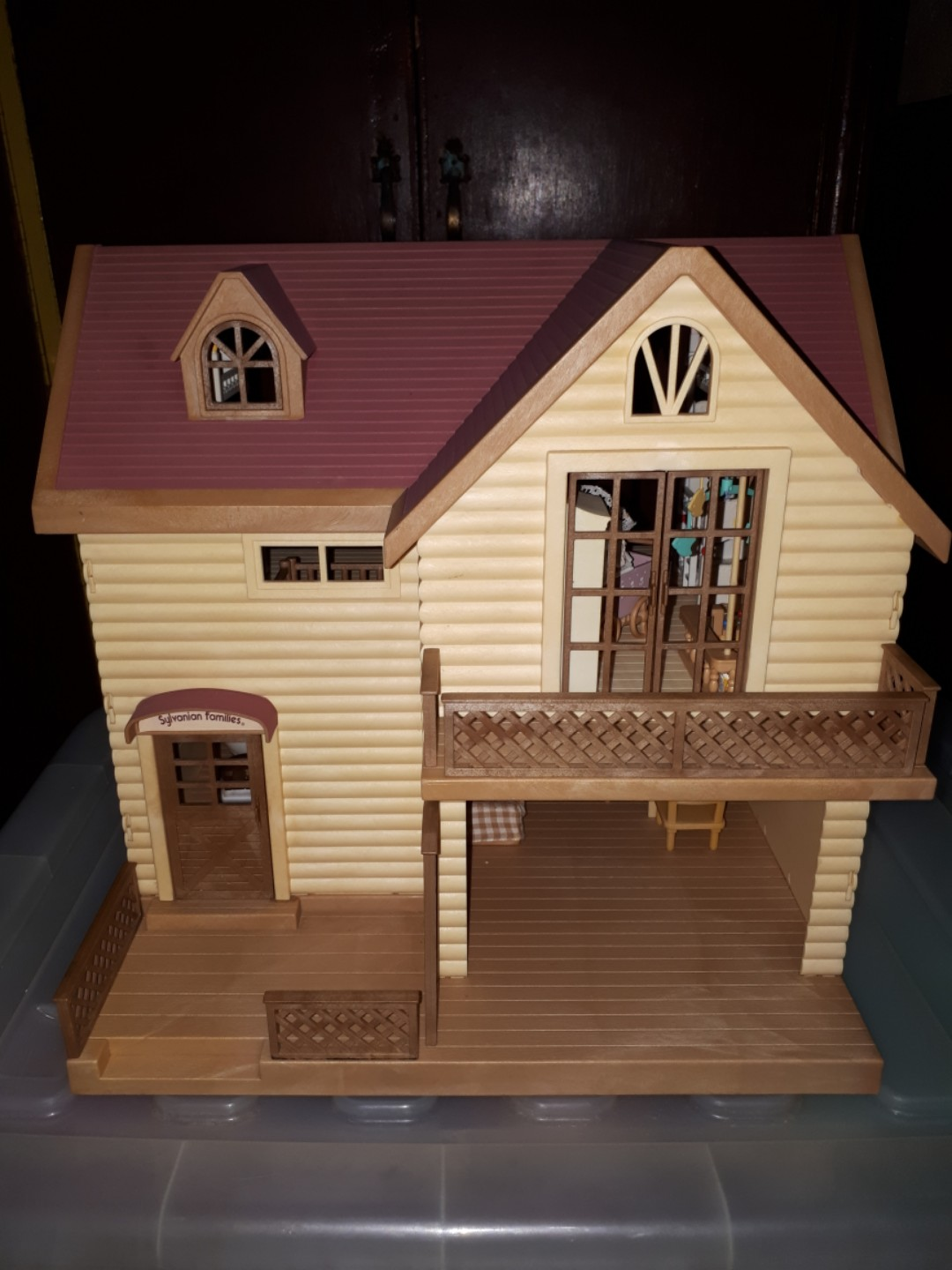 Sylvanian Families LakeSide Lodge New in 2019