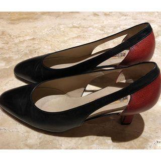 A. Testoni high heels/kasut tumit tinggi
