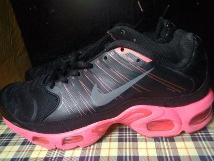 Nike Air Max Tn Size 40