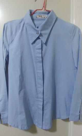 藍色絲質恤衫