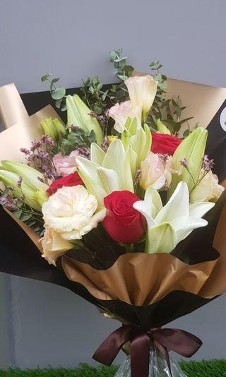 <<Mother's Day!!>> Lilies & Roses Bouquet