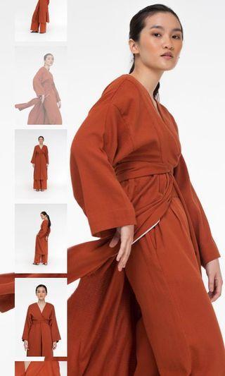 LOOKING FOR Anaabu Lilit Kimono in Brick