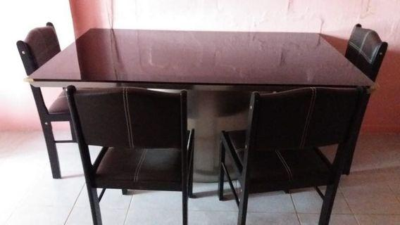🚚 Dining Table and chair