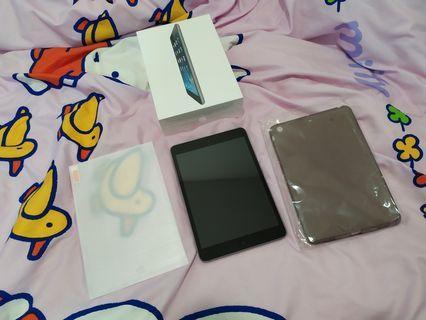 iPad mini 2 16gb wifi 90% new plus free gifts