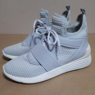 Kendall & Kylie Braydin Nubby High Top Sneakers