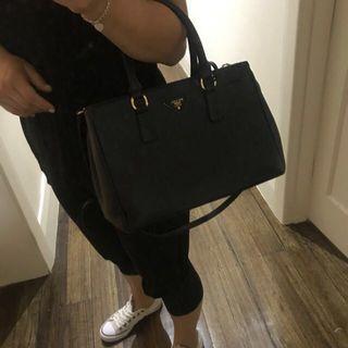 Prada bag - replica
