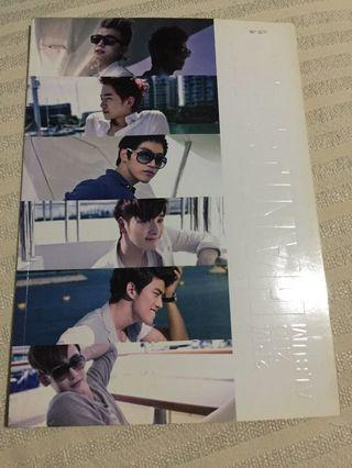 Photo book 2PM Hands Up