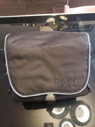 Nikon  相機袋 (L 28cm, H 24cm, W 13cm)