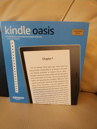 🚚 BN Kindle Oasis with cover ( Champagne Gold)