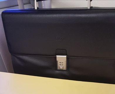 Shilton briefcase