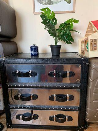 🚚 Metal & Leather Drawer Cabinet