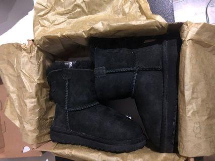 Size 9 toddler ugg boots