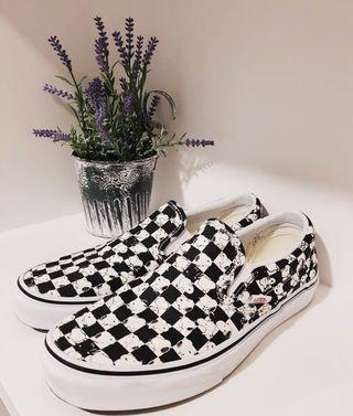VANS X PEANUTS SLIP-ON SNOOPY CHECKERED SKATE SHOES SIZE US 39 (25cm) // 700K