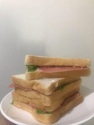 Egg sandwich with Steamed Ham
