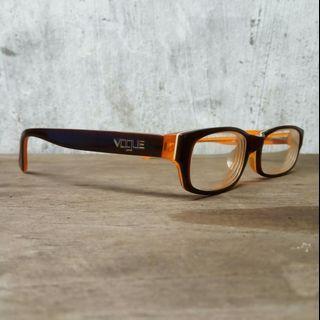 Frame kacamata vogue