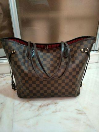 🚚 Louis Vuitton Neverfull MM Bag