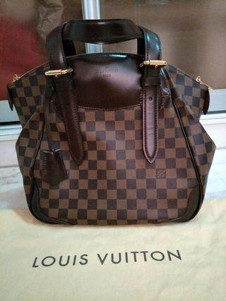 🚚 Louis Vuitton Damier Bag