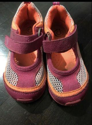Reduced to clear Girl pediped shoes