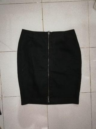 H&M fitted zip up skirt