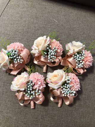 🚚 Brand new floral corsage 5 pcs