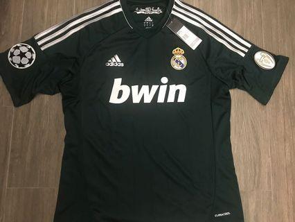 皇家馬德里作客 全新波衫球衣, 留意描述中碼