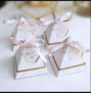 🚚 Door gift/favour box/pyramid gift box