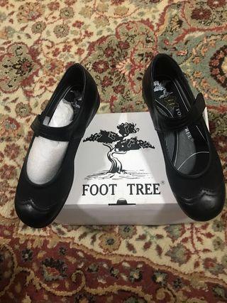 Black Shoes, Fits size 36 1/2