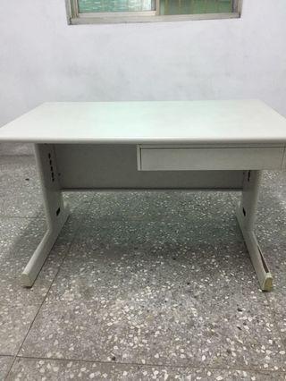 電腦桌 // 椅(後面4張照片)
