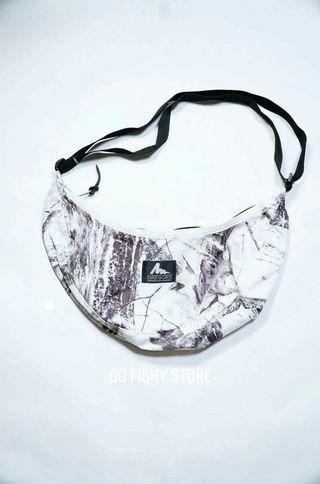 GREGORY SLING BAG USA WHITE CAMO