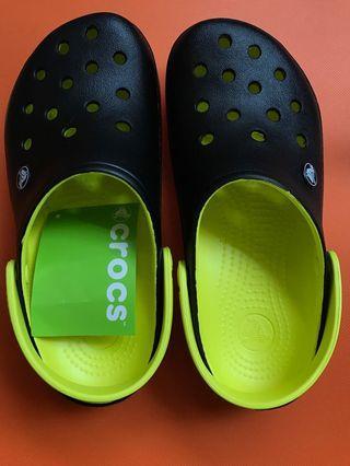 Crocs Clogs (M6 W8)