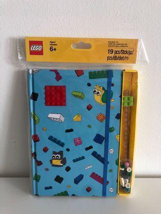 🚚 LEGO notebook