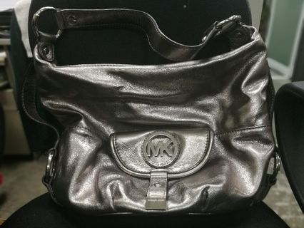 042a524a2e Michael Kors Fulton Large Leather Shoulder Bag METALLIC